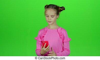 elle, selfie, vert, bébé, téléphone., girl, marques, écran