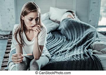 elle, sur, femme triste, morne, pensée, petit ami