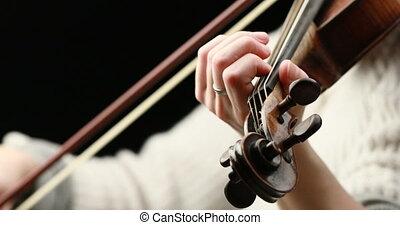 elle, -, violiniste, closeup, mains, jouer