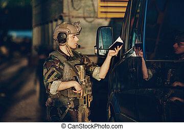 ellenőrzési hely, csendőrök, dokumentum, betömött, ellenőriz