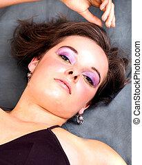 Eloise 16 - lilac eye make up