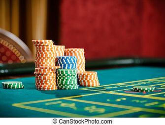 elzáródik, közül, aranyér, közül, játékpénz, képben látható, a, roulette asztal