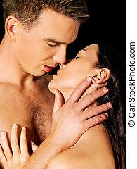 elzáródik, közül, egy, meztelen, összekapcsol megcsókol