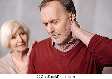 elzáródik, közül, idős, ember, noha, nyak, fáj