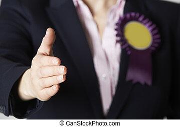 elzáródik, közül, női, politikus, reaching, fordíts, kézrázás