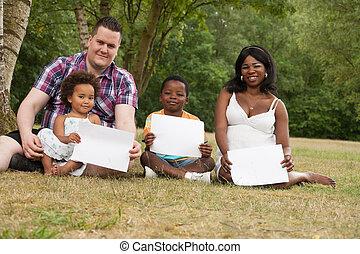 em branco, multicultural, família, placas