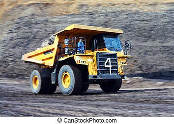 em movimento, caminhão basculante
