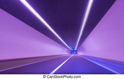 em movimento, rapidamente, em, túnel