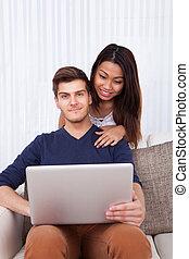 ember, használt laptop, noha, nő, alatt, nappali