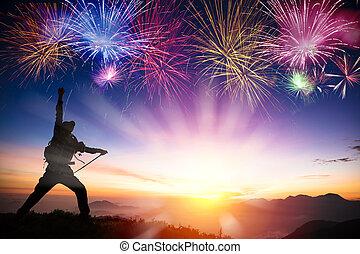 ember, képben látható, a, hegy, és, őrzés, napkelte, és, tűzijáték