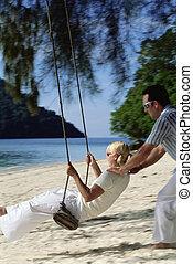 ember, lengés, nő, képben látható, hinta, -ban, tengerpart,