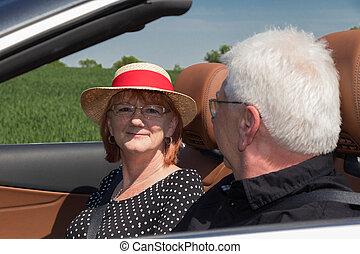 emberek, autó, napos, két, öregedő, fényűzés, átváltható, nap, boldog