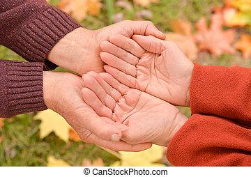 emberek, feláll, két, hatalom kezezés, becsuk, kilátás