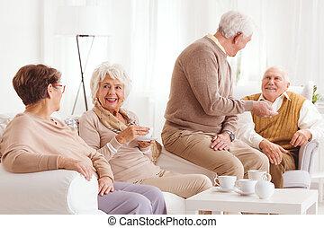 emberek in, öregek otthona