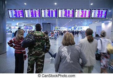 emberek in, repülőtér