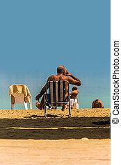 emberek, tengerpart, tenger, holt, kipiheni magát