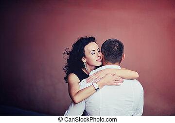 embrasser, femme, jeune, elle, petit ami