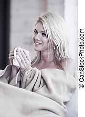 embrulhado, cobertor, mulher