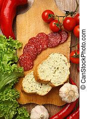 embutido, vegetales, rodeado, salame, corte, vario, tabla