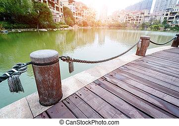 emelvény, mellett, tó, noha, napnyugta, dísztér
