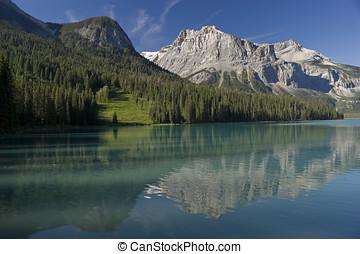 Yoho National Park - Emerald Lake in August in Yoho National...