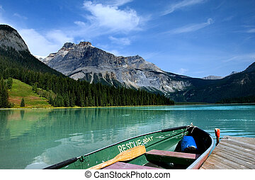 Emerald lake in Yoho national park, Canadian Rockies
