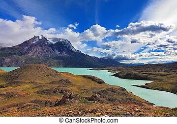 Emerald  Lake Pehoe