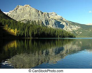 Emerald Lake, Yoho National Park, British Columbia, Canada -...