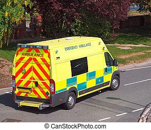 emergência, ambulância, partindo, base