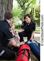 emergência, profissionais médicos