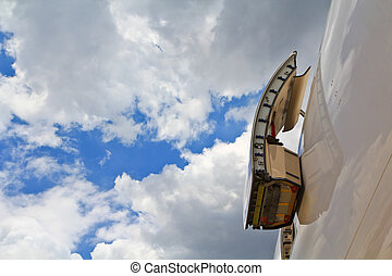 Emergency exit aeroplane, Aircraft