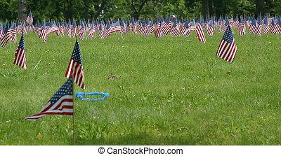 emlékmű, zászlók, nap