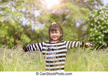 emoção, natural, rosto, campo, verde, sorrindo, encantador, felicidade, criança