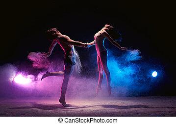 casado erótico bailando