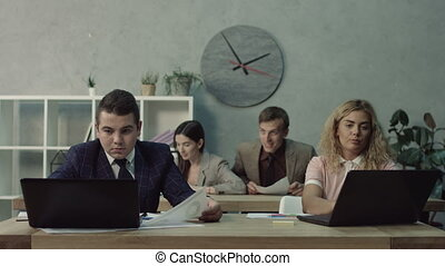 employé, distraire, travail, collègue, gênant