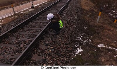 employé, ferroviaire, femme, chemin fer, écriture