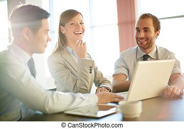 employés bureau, à, réunion