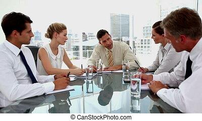 employés, hurlement, fâché, homme affaires