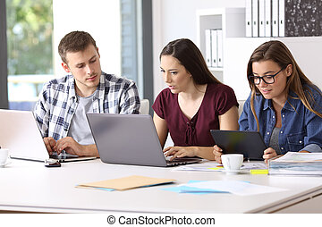 Employees working with multiple devices