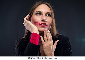 emporcalhado, mulher, batom, cima, olhar, vermelho