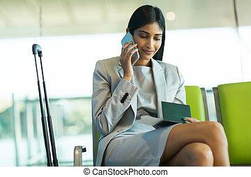 empresa / negocio, hablar, viajero, teléfono celular, hembra