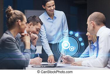 empresa / negocio, jefe, hablar, hembra, equipo, sonriente
