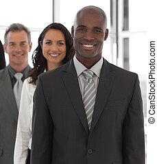 empresa / negocio, líder, con, equipo, en, el, plano de fondo