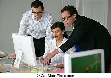 empresa / negocio, profesionales, trabajo junto, en, un, proyecto