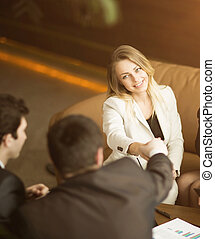 empresarios, conference., concluir, un, muy, importante, trato, asegurar, un, apretón de manos