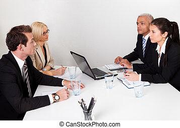 empresarios, discutir, en, el, reunión