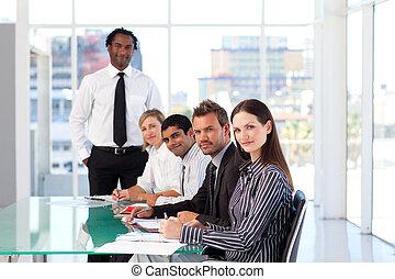 empresarios, discutir, en, un, reunión