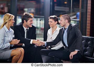 empresarios, elaboración, trato