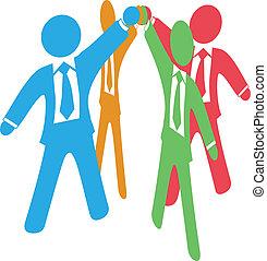 empresarios, equipo, arriba, trabajo, ensamblar, manos