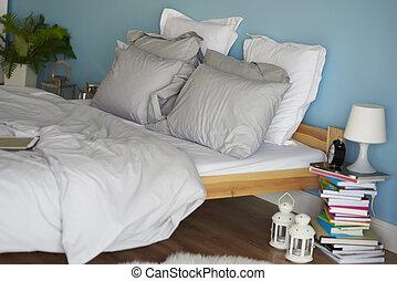 Empty bed in the bedroom